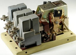 Контактор КМ-2313-17